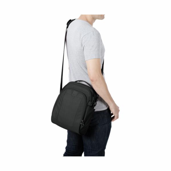 Pacsafe Metrosafe LS250 prirucni batoh cerna