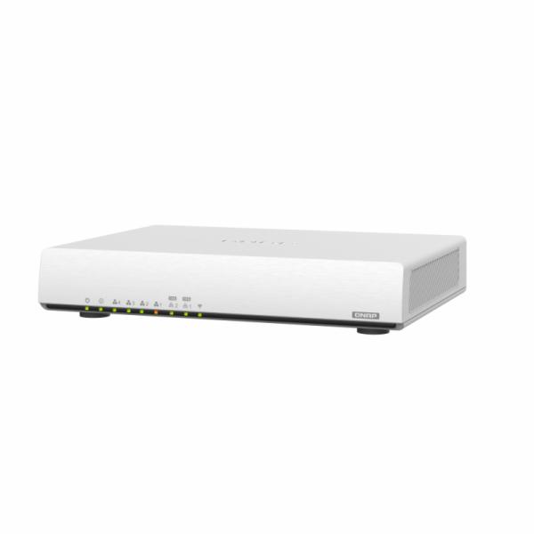 QHora-301W (4C/Qualcom IPQ8072 Hawkeye 2/2x10GbE/4xRJ45/1GBRAM/2xUSB3.0)
